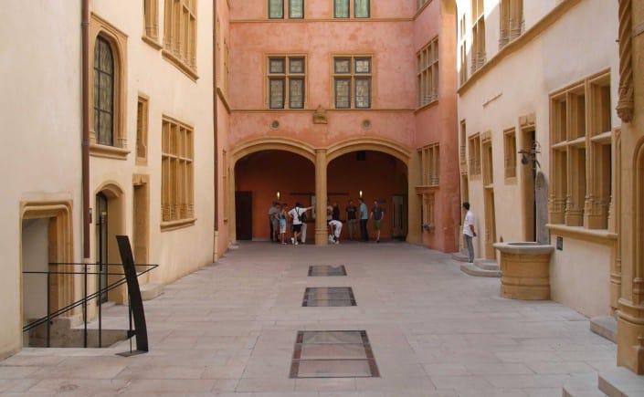 Lyon Sehenswürdigkeiten: Die Besten Attraktionen In Lyon