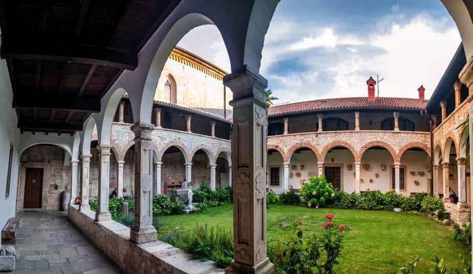 Kirche und Kloster des Heiligen Franz von Assisi Pula Sehenswürdigkeiten: Die 20 besten Attraktionen – 2020