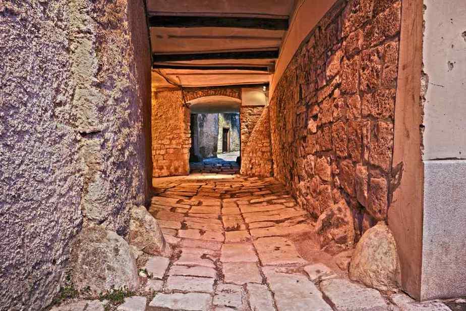 Unterirdische Tunnel