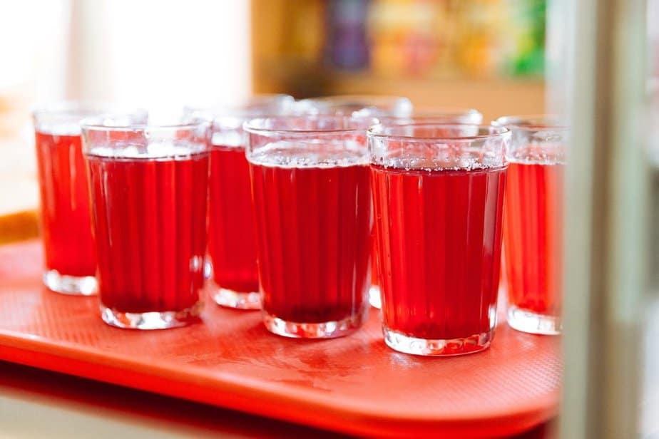 Kompott (Компот) Russische Spezialitäten 25 typisch russische Gerichte, Getränke und Desserts, die Sie probieren sollten