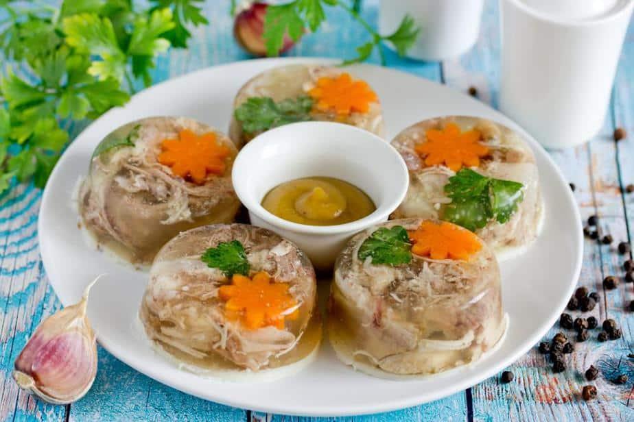 Aspik – Holodets (Холодец) Russische Spezialitäten 25 typisch russische Gerichte, Getränke und Desserts, die Sie probieren sollten