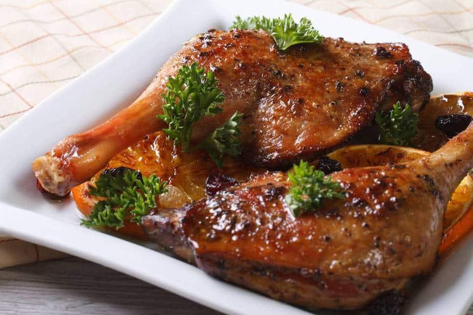 Confit de Canard – Entenconfit Französische Spezialitäten: 22 typisch Französische Essen, Die Sie Probieren Sollten