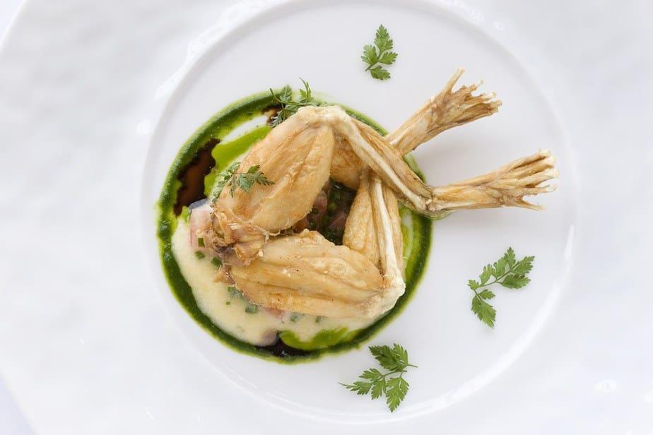 Cuisses de grenouille – Froschschenkel Französische Spezialitäten: 22 typisch Französische Essen, Die Sie Probieren Sollten