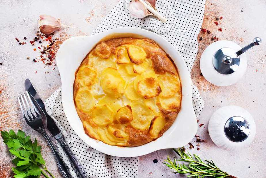 Gratin dauphinois - Kartoffeln Dauphiner Art Französische Spezialitäten: 22 typisch Französische Essen, Die Sie Probieren Sollten