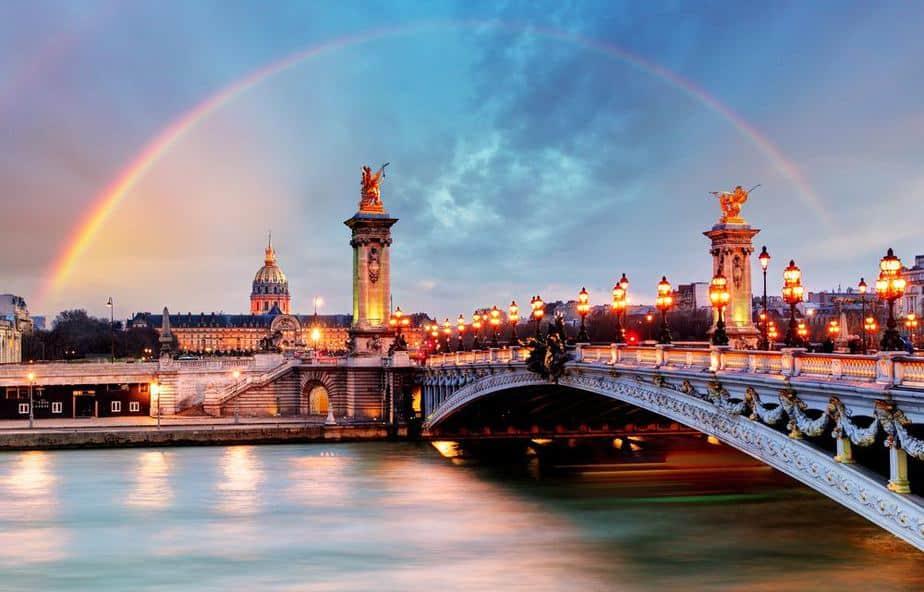 Pont Alexandre III Paris Sehenswürdigkeiten: 22 Top Paris Sehenswürdigkeiten
