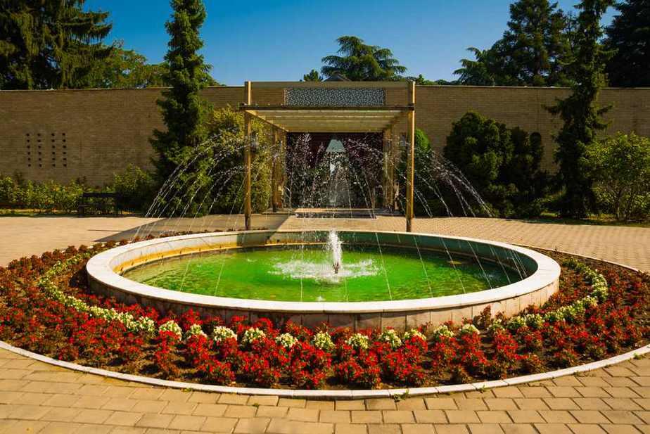 Haus der Blumen,  Mausoleum des ehemaligen Staatspräsidenten Josip Broz Tito Belgrad Sehenswürdigkeiten: Die 25 besten Attraktionen