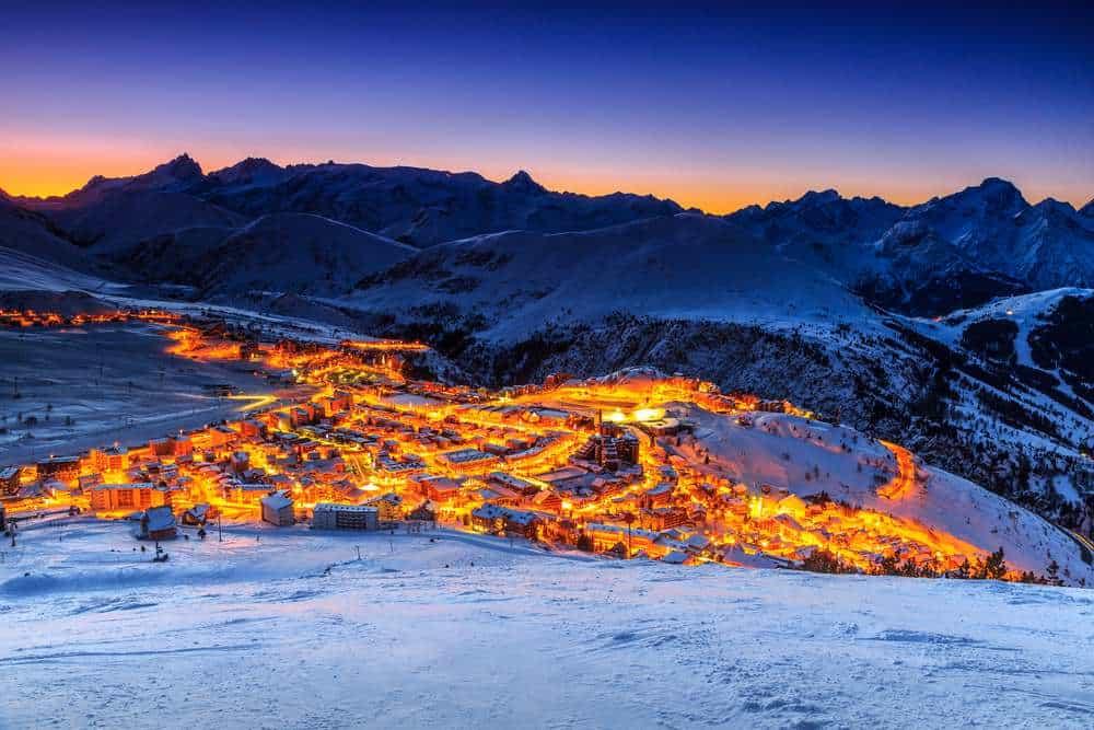 Alpe d'Huez, Frankreich Silvester in den Bergen: Die besten Skigebiete Europas