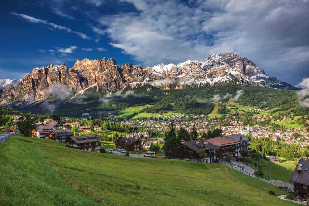 Cortina d'Ampezzo, Italien Silvester in den Bergen: Die besten Skigebiete Europas