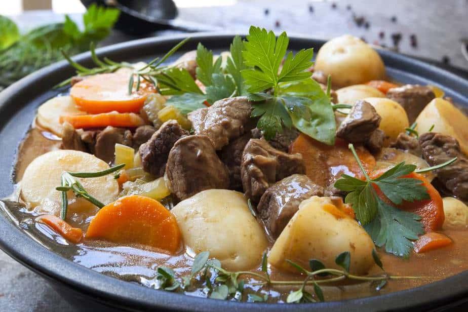 Irish Stew Irische Spezialitäten: 15 Typisch Irland Essen, Die Sie Probieren Sollten