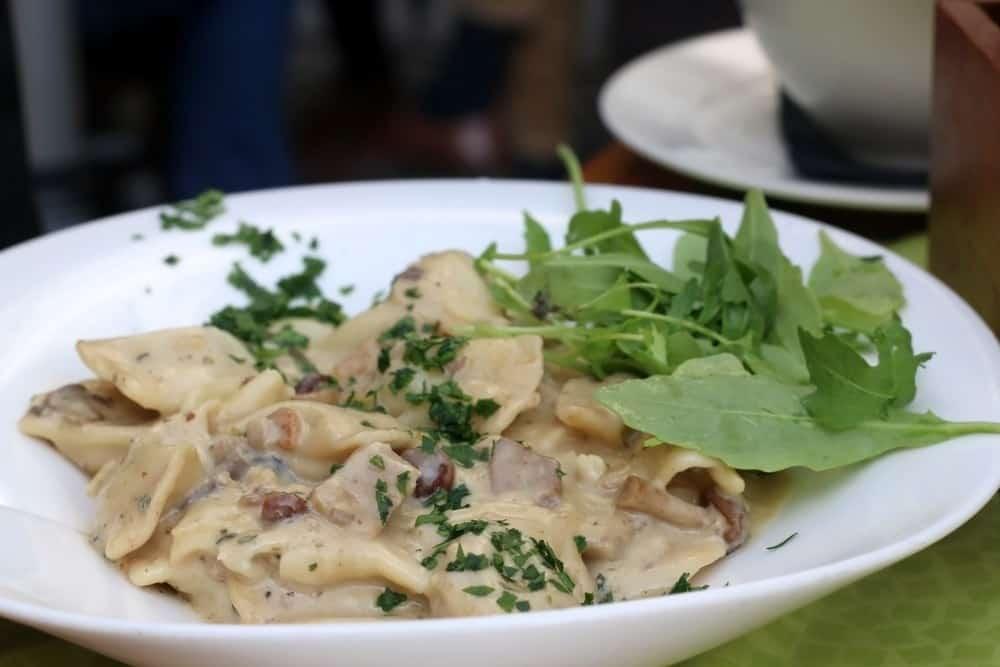 Idrijski žlikrofi Slowenien Spezialitäten: 22 Typisch slowenien Essen, Die Sie Probieren Sollten