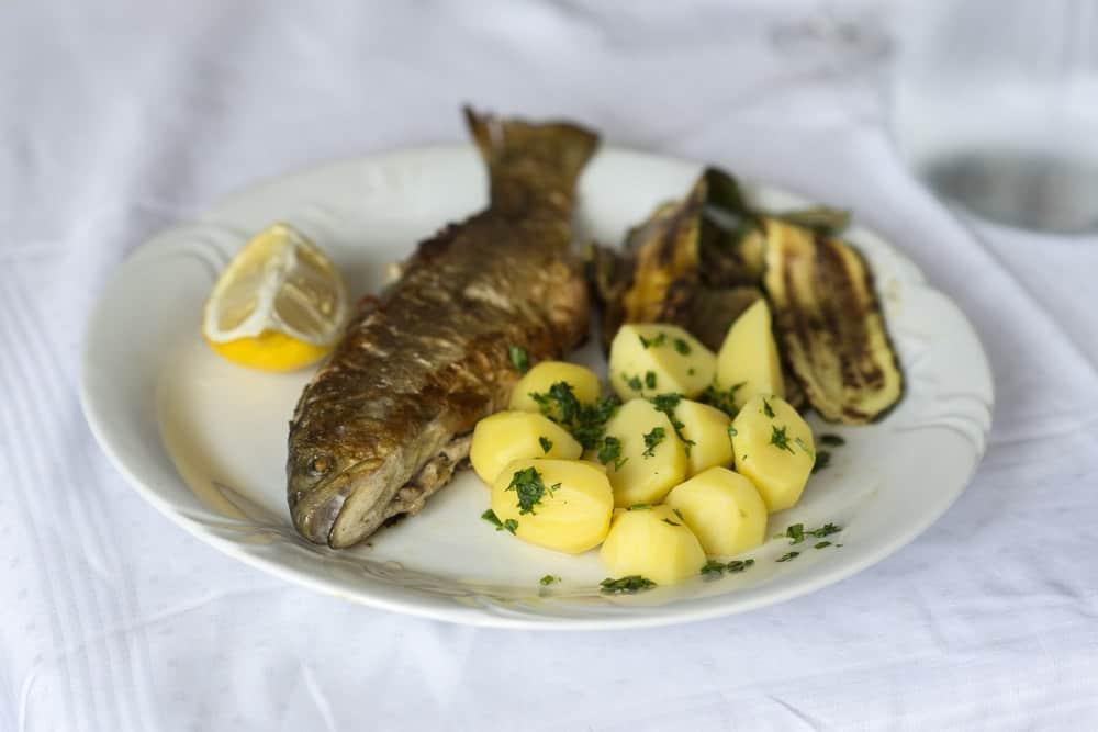 Soška postrv - Soča Forelle Slowenien Spezialitäten: 22 Typisch slowenien Essen, Die Sie Probieren Sollten