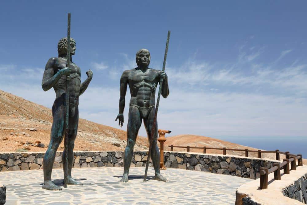 Bronzestatuen der Könige Guise und Ayose Fuerteventura Sehenswürdigkeiten: Die 20 besten Attraktionen