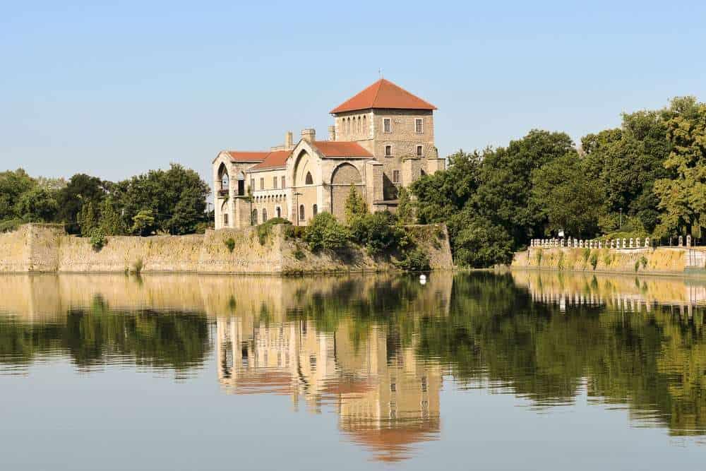 Burg Tata Die schönsten Burgen Ungarns