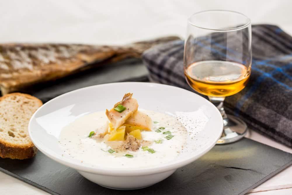 Cullen skink Schottisches Essen: 21 Typisch Schottische Spezialitäten und Schottische Gerichte, Die Sie Probieren Sollten