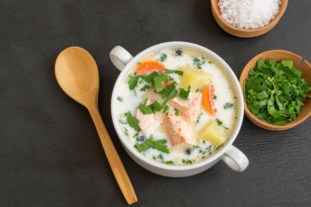 Fiskesuppe - Fischsuppe Norwegische Spezialitäten: 21 Typisch norwegische Essen, Die Sie Probieren Sollten