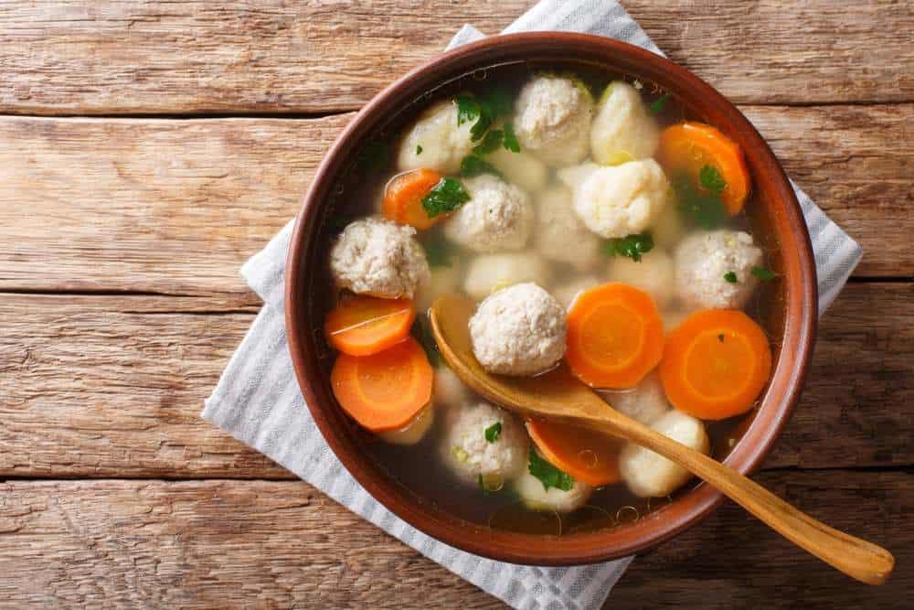 Hønsekødssuppe - Hühnersuppe Dänische Spezialitäten: 22 Typisch dänische Essen, Die Sie Probieren Sollten