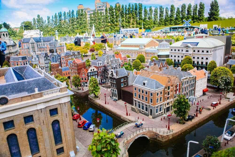 Madurodam Freizeitparks Holland: 18 abenteuerliche Vergnügungsparks in den Niederlanden