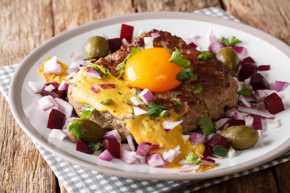 Pariserbøf - Pariser Steak Dänische Spezialitäten: 22 Typisch dänische Essen, Die Sie Probieren Sollten