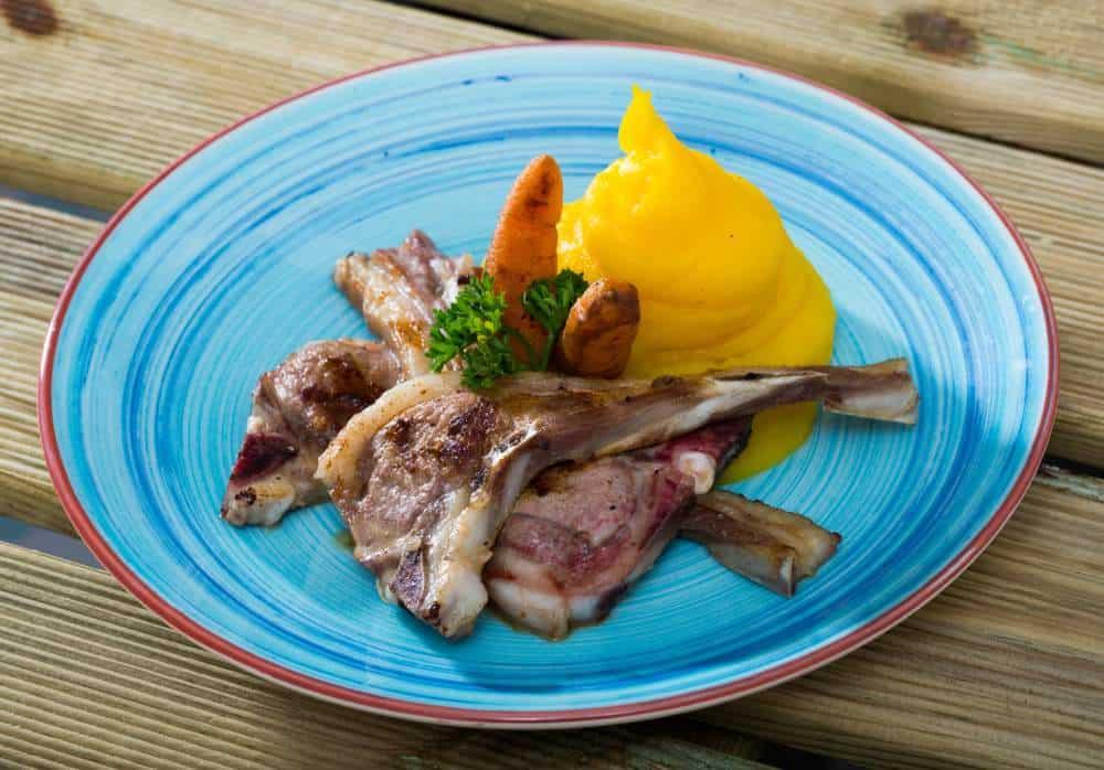 Pinnekjøtt Norwegische Spezialitäten: 21 Typisch norwegische Essen, Die Sie Probieren Sollten
