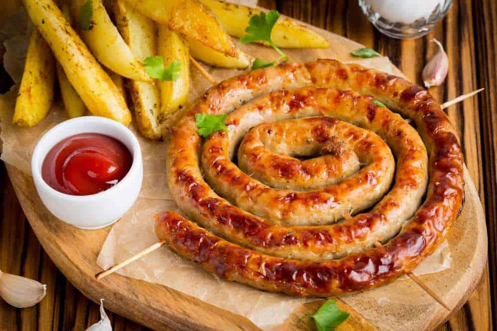Potatiskorv/ Värmlandskorv Schwedische Spezialitäten: 20 Typisch schwedische Essen, Die Sie Probieren Sollten