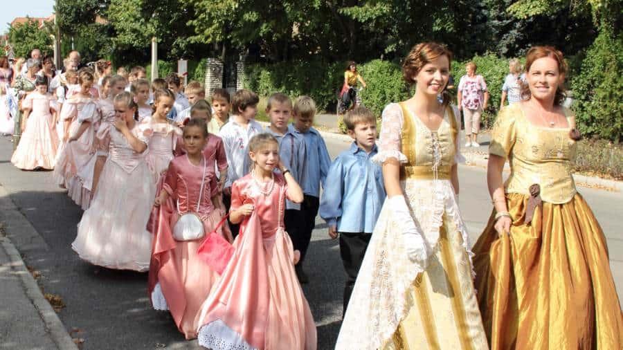 Romantische Reformzeit Festival 8 Faszinierende Ungarische Volksfeste
