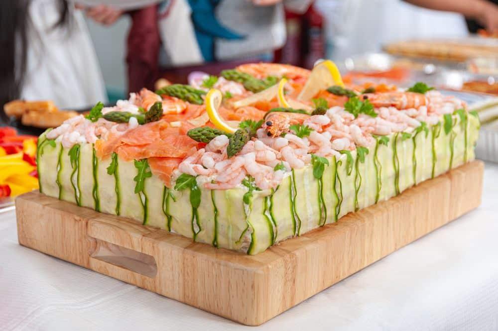 Smörgåstårta Schwedische Spezialitäten: 20 Typisch schwedische Essen, Die Sie Probieren Sollten