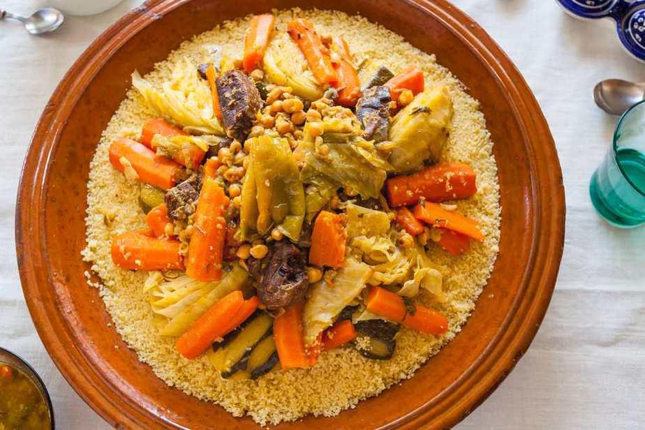 Couscous Marokkanische Spezialitäten: 20 typisch Marokkanische Essen, Die Sie Probieren Sollten