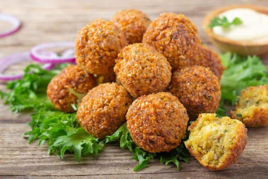 Falafel Arabisches Essen: 20 Arabische Spezialitäten, Die Sie Probieren Sollten