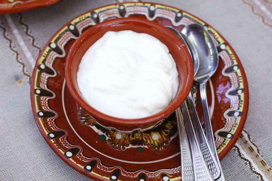 Kiselo Mlyako Bulgarische Spezialitäten: 22 Typisch Bulgarische Essen, Die Sie Probieren Sollten