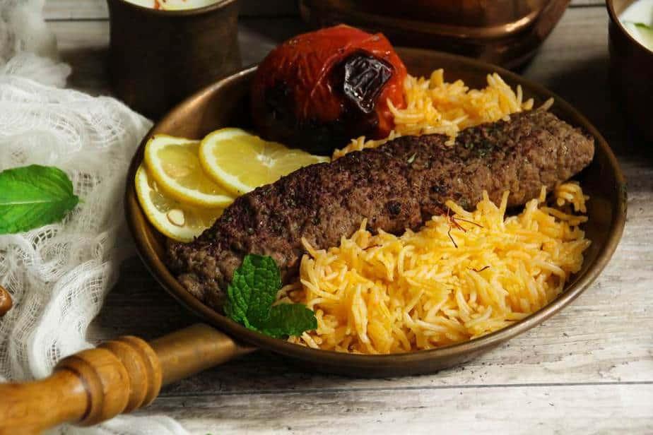 Koobideh-Kabob Iranische Küche: 20 Traditionelle Iranische Essen, Die Sie Probieren Sollten