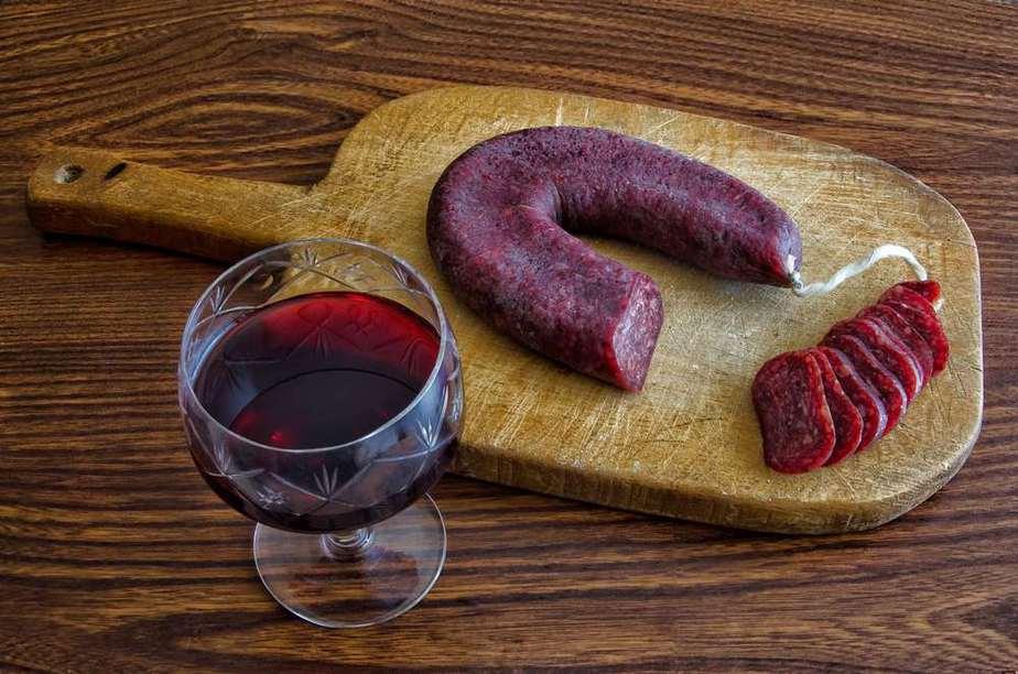 Lukanka Bulgarische Spezialitäten: 22 Typisch Bulgarische Essen, Die Sie Probieren Sollten