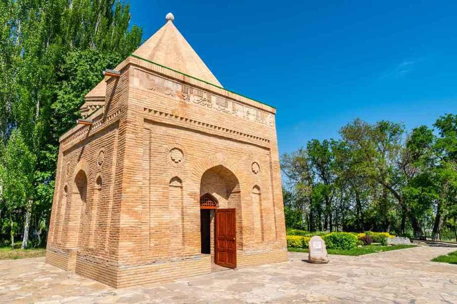 Mausoleum von Aisha Bibi Kasachstan Sehenswürdigkeiten - Die 20 besten Attraktionen