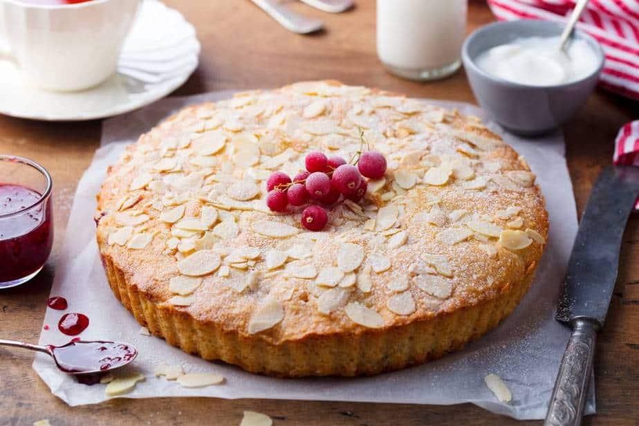 Bakewell tart Englische Spezialitäten: 21 Typisch englische Essen, Die Sie Probieren Sollten
