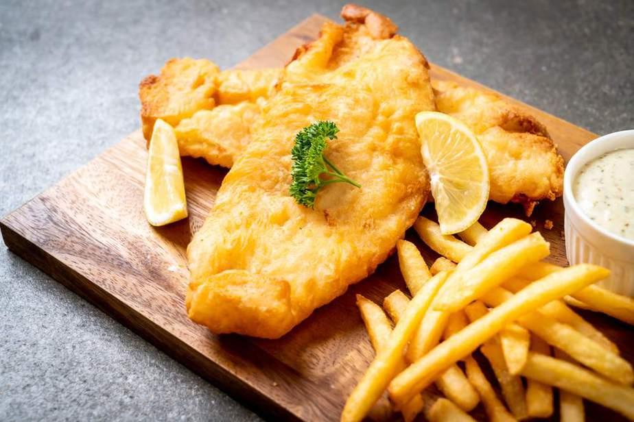 Fish and Chips Englische Spezialitäten: 21 Typisch englische Essen, Die Sie Probieren Sollten