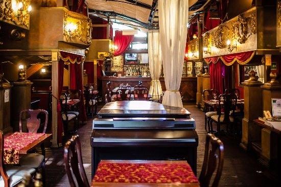"""Restaurant """" Little Bay"""" Die romantischsten Orte in Belgrad, Serbien"""
