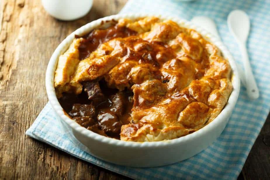 Steak und Kidney Pie Englische Spezialitäten: 21 Typisch englische Essen, Die Sie Probieren Sollten