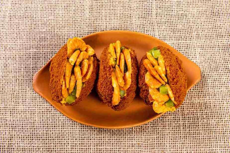 Acarajé Brasilianische Spezialitäten: 20 Typisch Brasilianische Essen, Die Sie Probieren Sollten