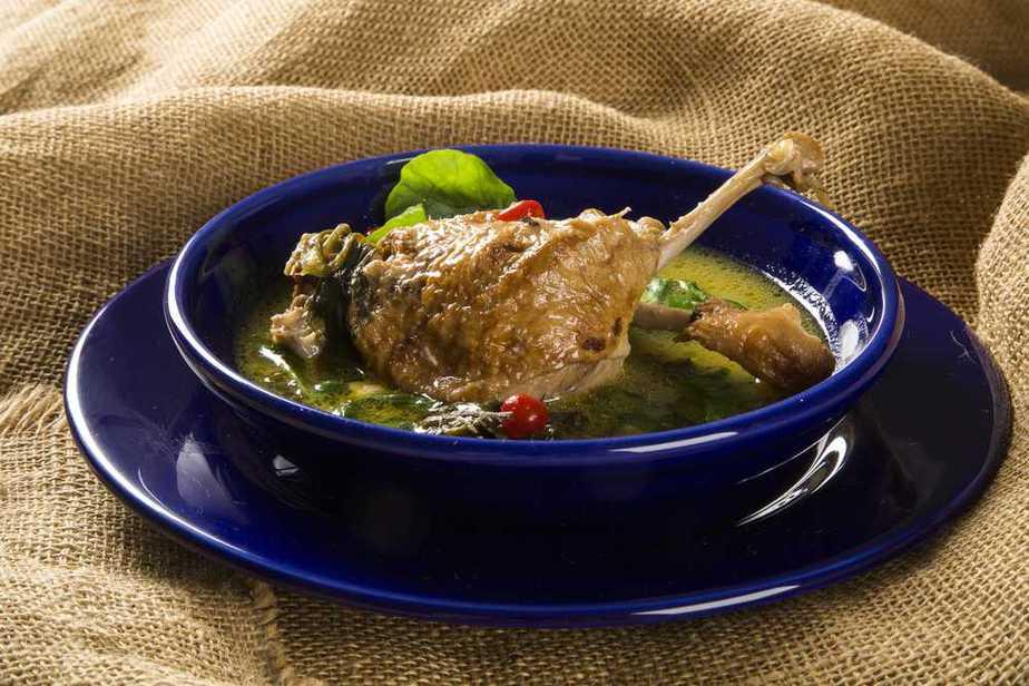 Pato no Tucupi Brasilianische Spezialitäten: 20 Typisch Brasilianische Essen, Die Sie Probieren Sollten